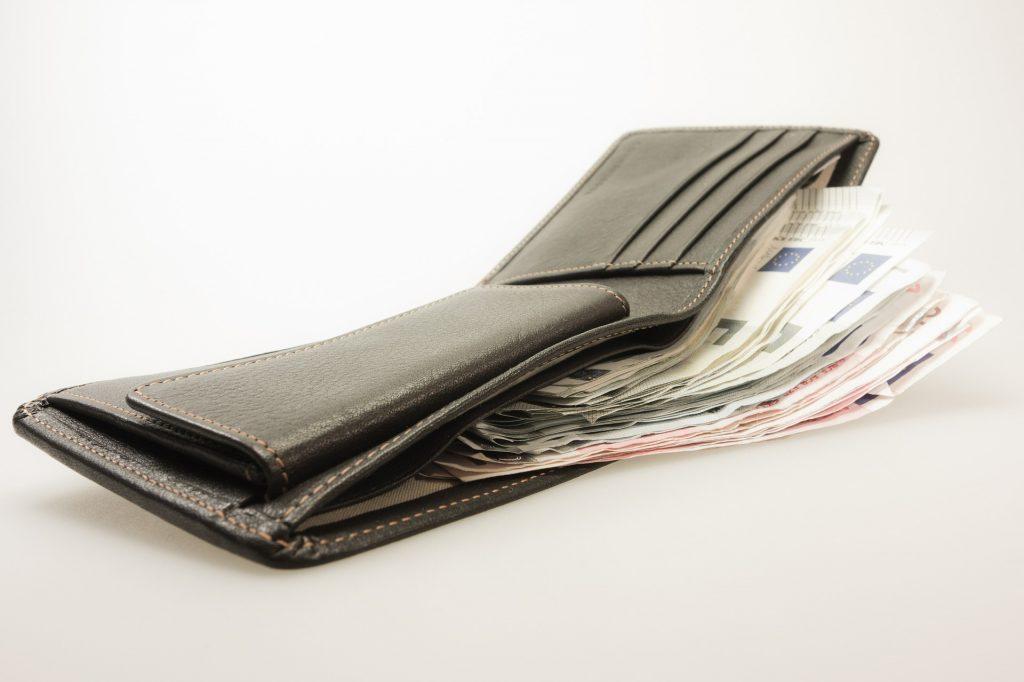 Tips dan Trik Memanfaatkan Uang Gajian Agar Tidak Cepat Habis 4